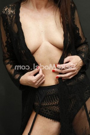 Evina rencontre sexe escorte girl à Drancy